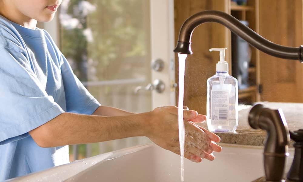 Igienizzazione mani per prevenzione COVID-19